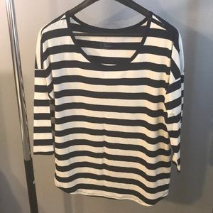 Striped 3/4 length tee w buttons